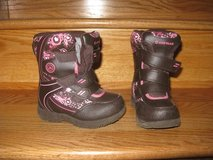 Snow Boots - Size 8 in Bolingbrook, Illinois