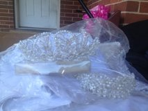 2 bridal wedding tiaras in Eglin AFB, Florida
