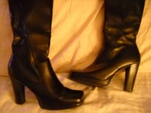 womens boots size 9 in Olympia, Washington